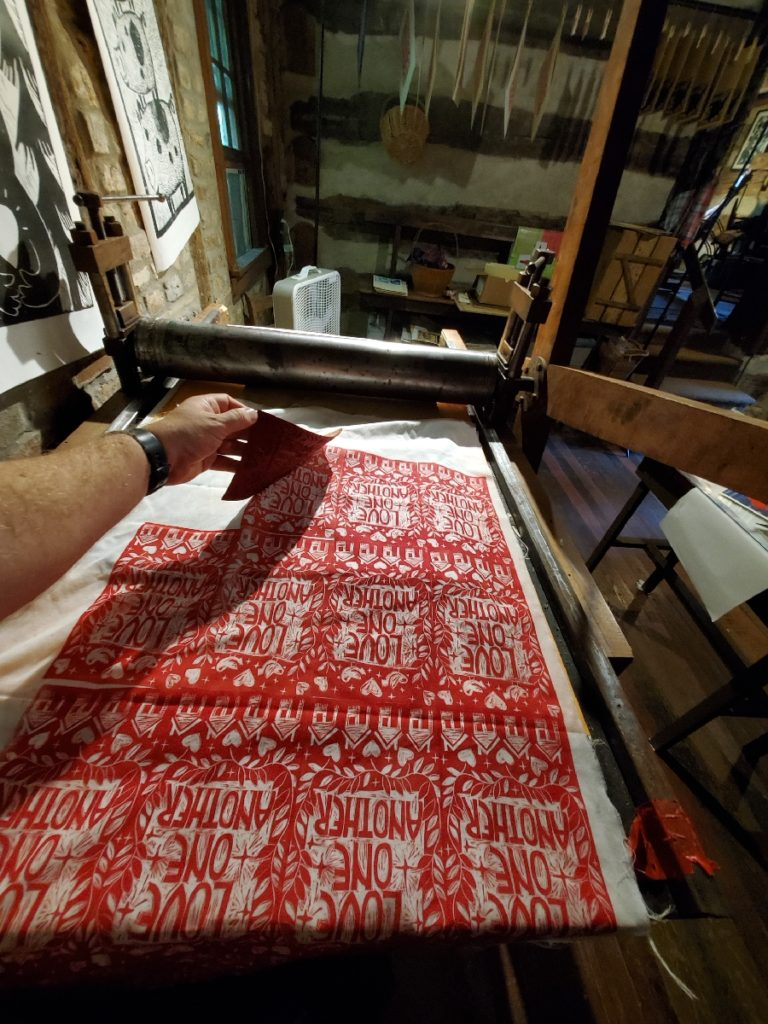 printing on fabric with linocut