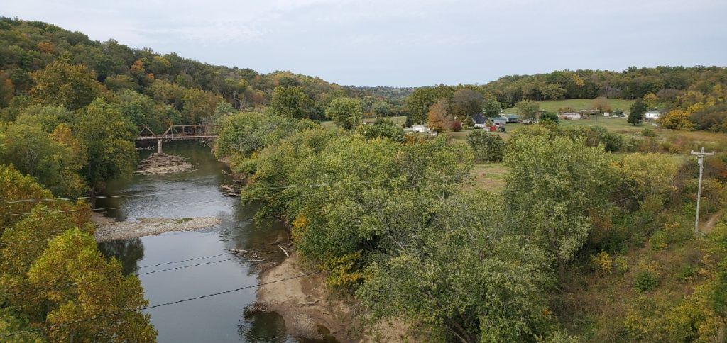 photo of the licking river in early autumn